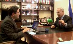 Gil Hoffman with Bibi Netanyahu (1)